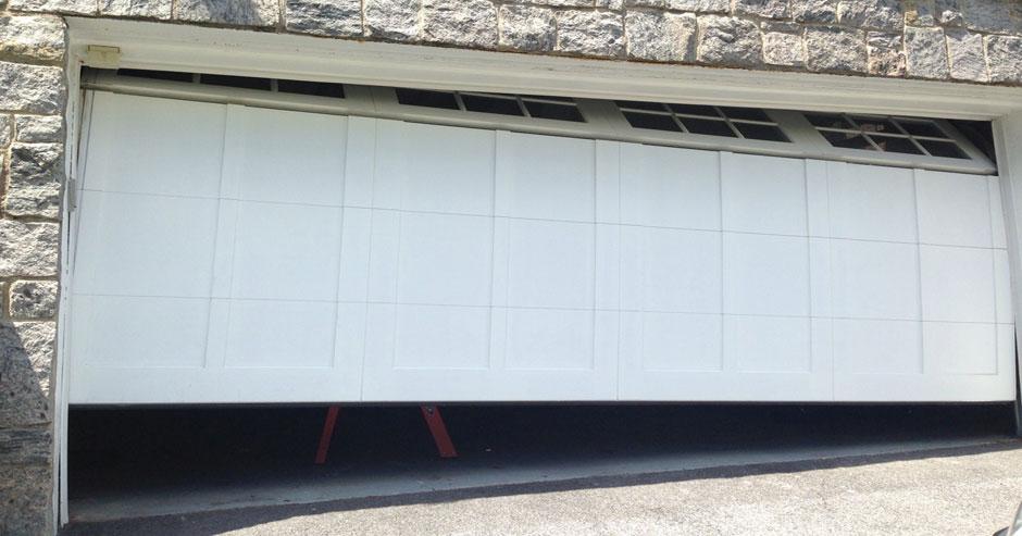 Broken Garage Door Repairs Anaheim